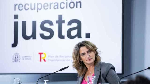 Teresa Ribera viaja a Argelia este miércoles para asegurar el suministro de gas a España