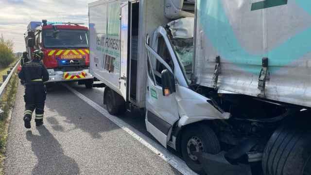 Imagen de las retenciones tras el accidente