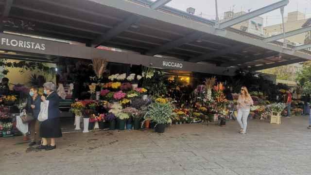Mercado Central de Alicante mantendrá sus puestos de flores abiertos por el puente de los Santos
