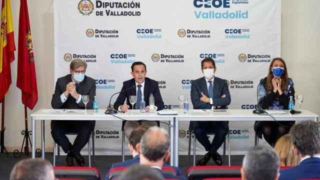 Un momento del encuentro entre la Diputación de Valladolid y la CEOE en Matapozuelos