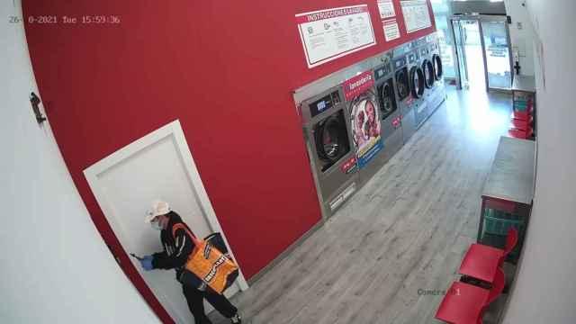 Vídeo del ladrón actuando en una lavandería de Zamora
