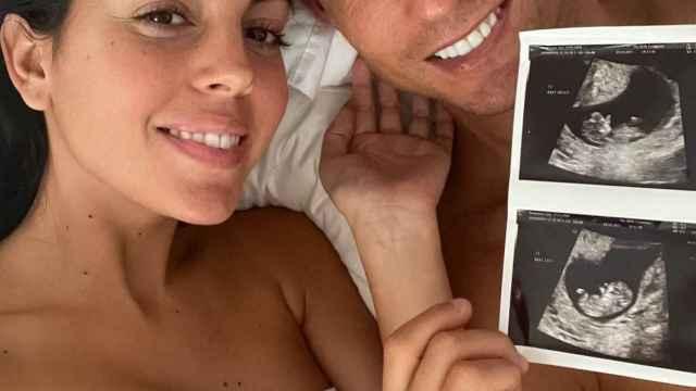 Georgina Rodríguez y Cristiano Ronaldo en el momento en que han anunciado la noticia en sus redes sociales.