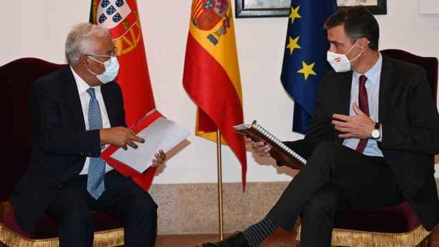 Sánchez (d), junto a Costa (i), en Trujillo (Cáceres).