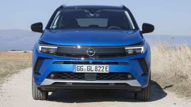 Opel renueva el Grandland: un SUV mediano que compite con el Peugeot 3008, Seat Ateca y Nissan Qashqai