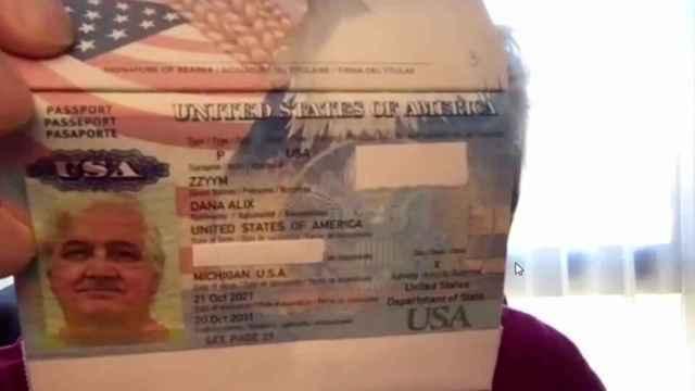 El pasaporte de Dana Zzyym.