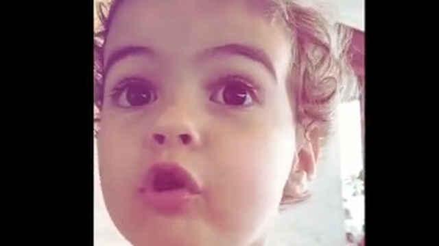 Alana Martina, la hija pequeña de Cristiano Ronaldo y Georgina Rodríguez, durante una stories de Gio